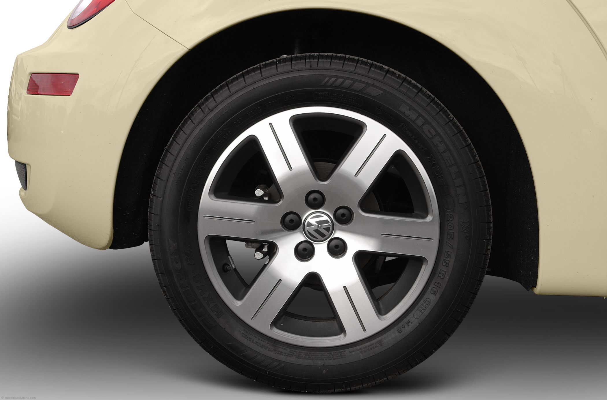 Volkswagen New Beetle wheels #2