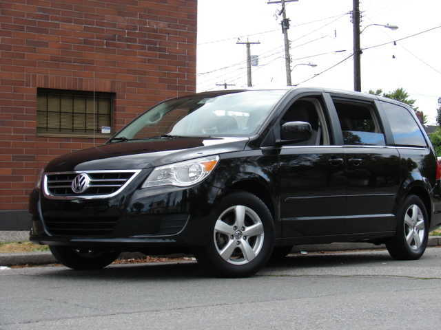 Volkswagen Routan black #1
