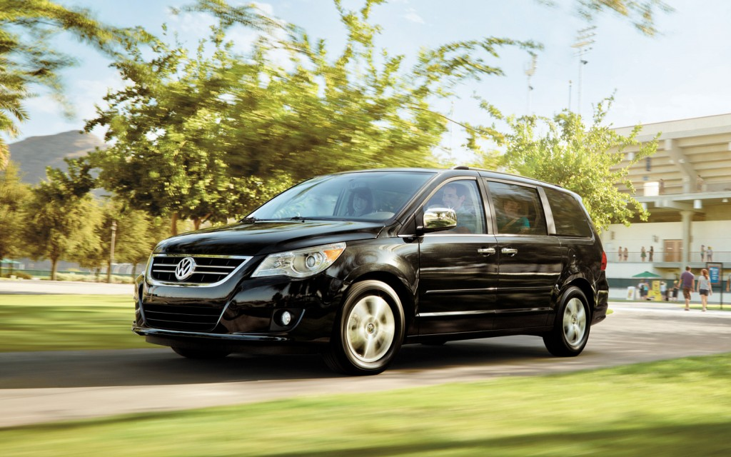 Volkswagen Routan black #4