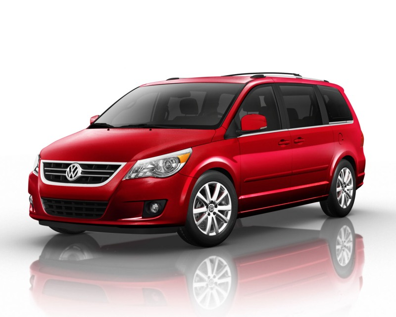 Volkswagen Routan red #1