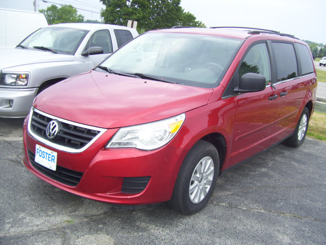 Volkswagen Routan red #2