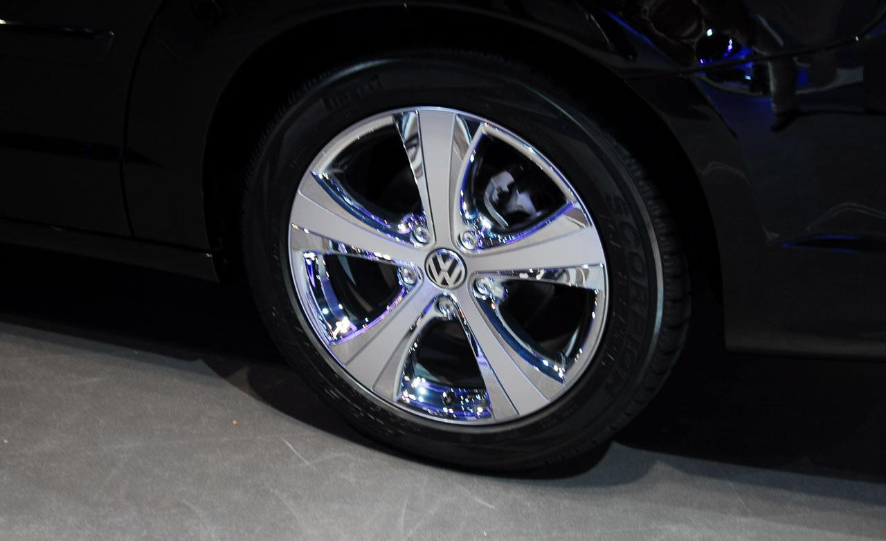 Volkswagen Routan wheels #1