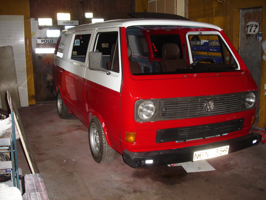 Volkswagen Vanagon red #1