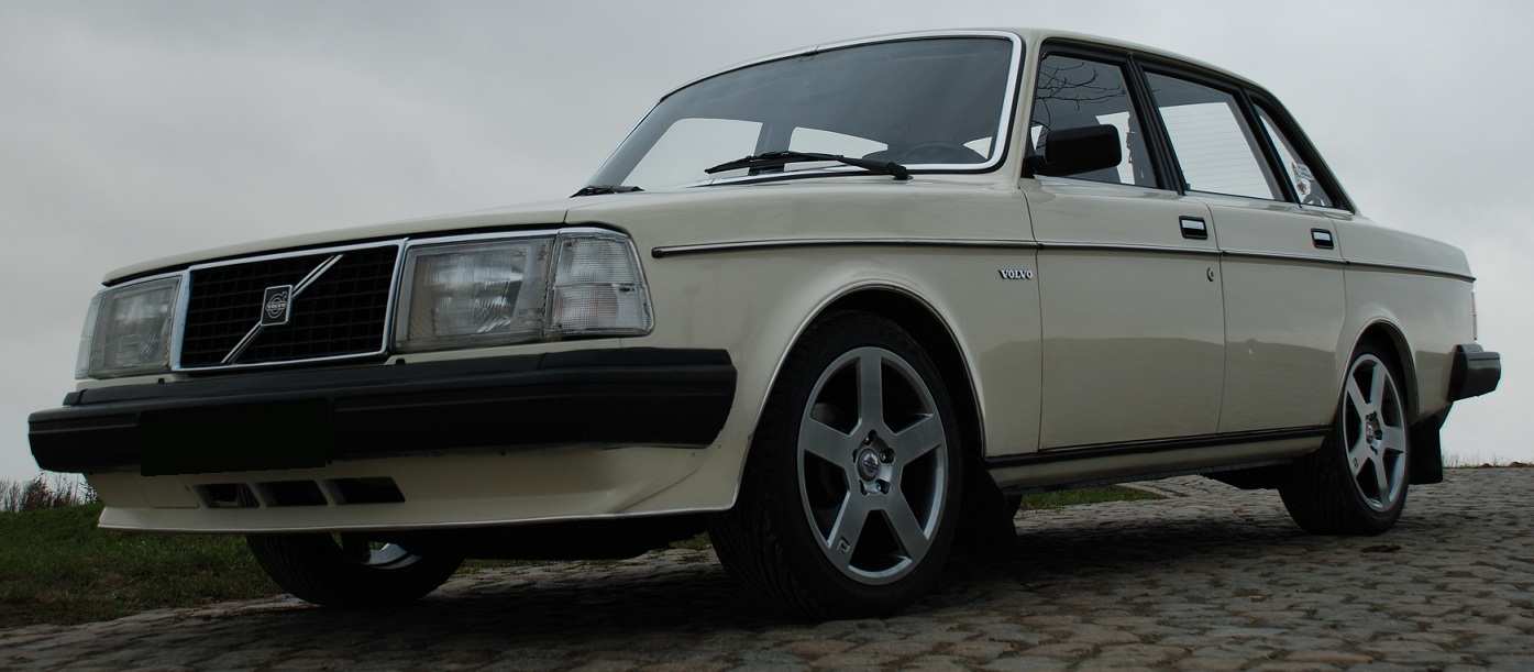 Volvo 240 wheels #1