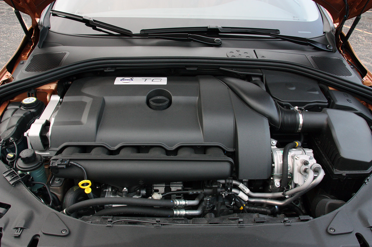 Volvo S60 engine #1